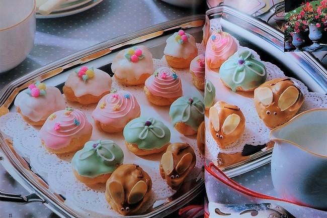 千趣会 お菓子の国からこんにちは カラフルなプチシュークリーム